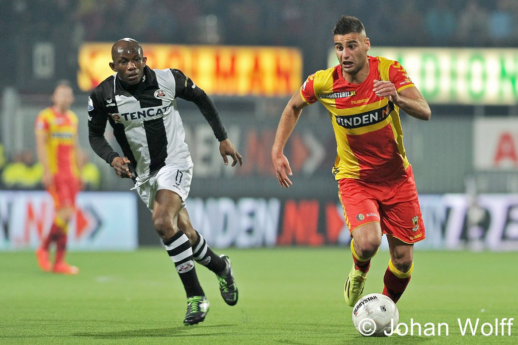 L-R Kwame Quansah (Heracles) Deniz Turuc (Go Ahead Eagles)